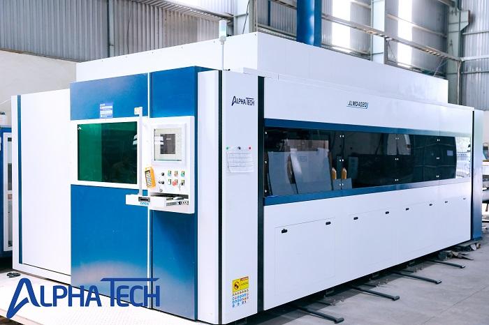 Một máy cắt laser fiber tại công ty Alpha Tech