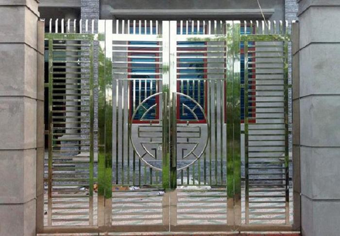 Cổng rào bằng Inox - 15+ vật dụng phổ biến làm bằng Inox trong cuộc sống