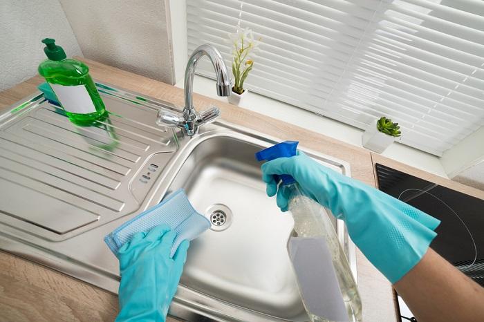 Nước rửa bát được coi là cách làm sạch inox hiệu quả và tiết kiệm