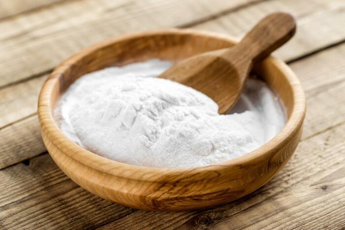 Baking soda cũng là một cách làm sạch bề mặt inox được yêu thích